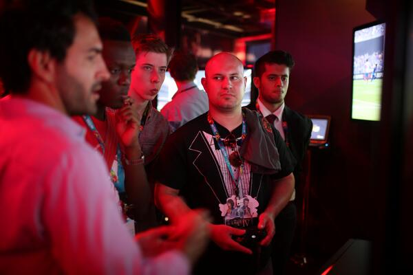 Producer @santiagoj83 shows off next-gen #FIFA14 to @wepeeler, @Calfreezy, and @ksiolajidebt on the #E3 show floor
